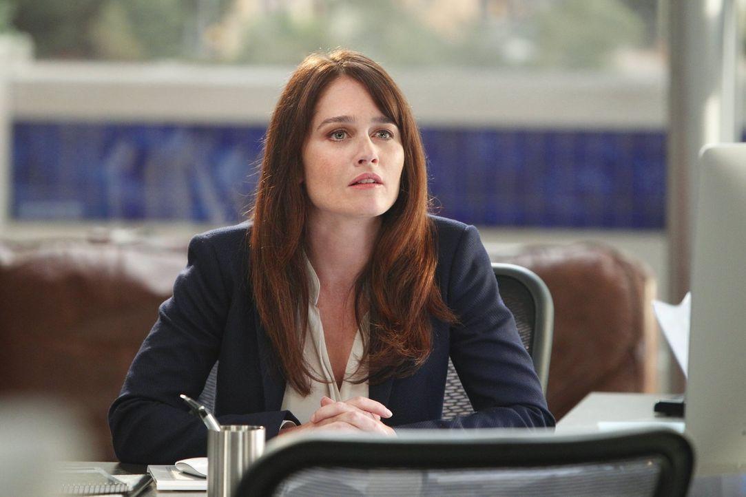 Ein neuer Fall beschäftigt Jane und Lisbon (Robin Tunney) ... - Bildquelle: Warner Bros. Television