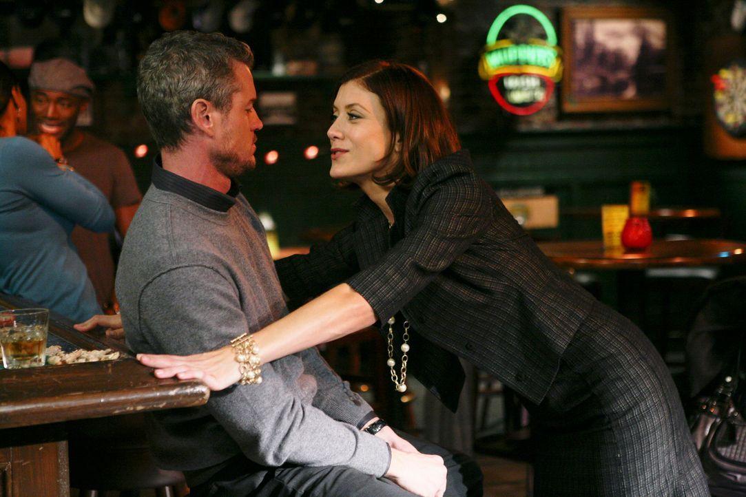 Feiern ausgiebig die geglückte OP an Archer: Addison (Kate Walsh, r.), Sam, Naomi, Mark (Eric Dane, l.) und Derek ... - Bildquelle: ABC Studios