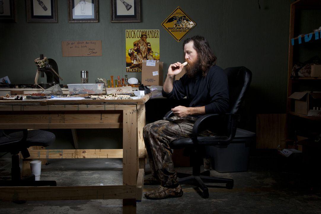 Trotz seiner Ambitionen, eines Tages Geschäftsführer von Duck Commander zu sein, muss Jase (Jase Robertson) sich erst einmal damit zufrieden geben... - Bildquelle: Zach Dilgard 2012 A+E Networks