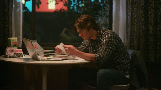 Sam (Jared Padalecki) und sein Bruder untersuchen den Mord eines Anwalts und...