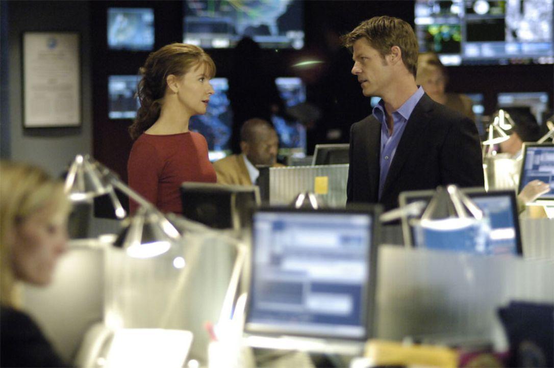 Sind auf der Suche nach Isabelle: Tom (Joel Gretsch, r.) und Diana (Jacqueline McKenzie, l.) ... - Bildquelle: Viacom Productions Inc.