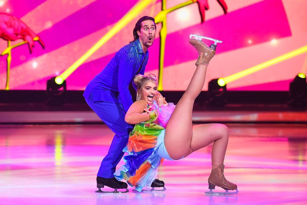 Sarina Nowak: Zaubert den Sommer aufs Eis