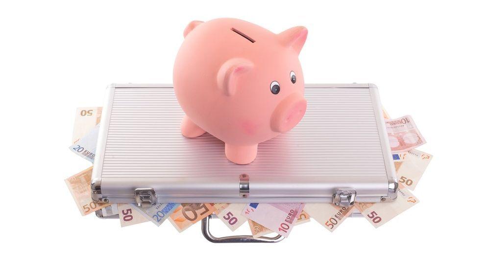 Ratgeber Tagesgeldkonto: Sicher, aber auch lukrativ?  - Bildquelle: MyImages - Micha – 177523187 / Shutterstock.com
