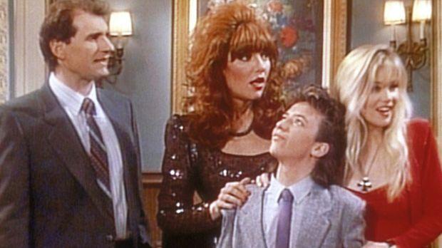 (v.l.n.r.) Al (Ed O'Neill), Peggy (Katey Sagal), Bud (David Faustino) und Kel...