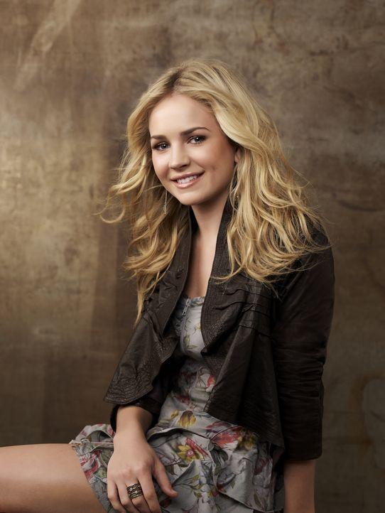 (2. Staffel) - Hat Lux (Brittany Robertson) endlich eine richtige Familie gefunden? - Bildquelle: 2010 The CW Network, LLC. All Rights Reserved.