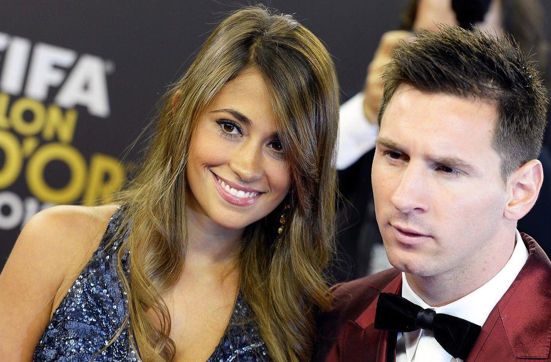 Lionel-Messi-Antonella-Roccuzzo-140113-dpa - Bildquelle: dpa