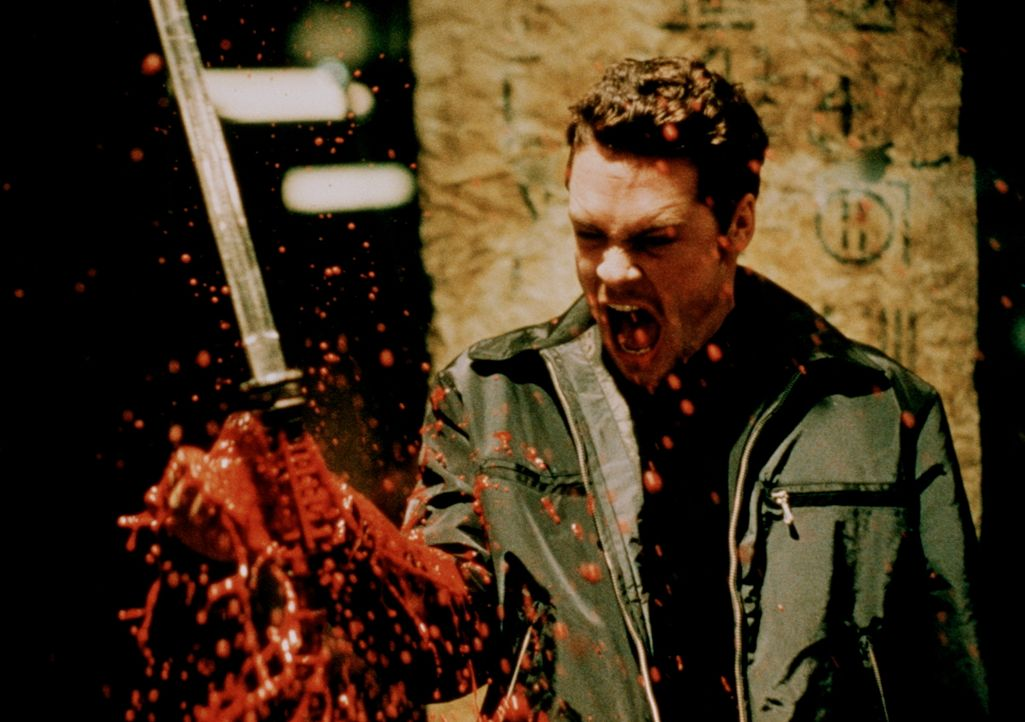 Vampirischer Aderlass ... - Bildquelle: New Line Cinema