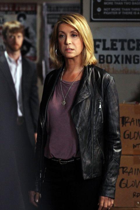 Hat Sue Overton (Jeannetta Arnette) etwas mit dem Fall zu tun, an dem Patrick und seine Kollegen gerade ermitteln? - Bildquelle: Warner Bros. Television