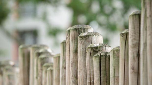 Zaun-Holz-Holzzaun-pixabay