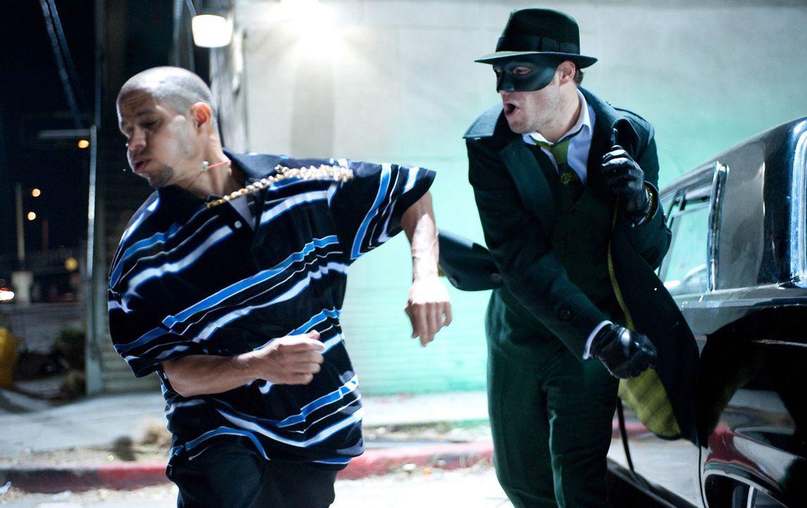 Nach dem plötzlichen Tod seines Vaters beschließt der Partylöwe und Nichtsnutz Britt (Seth Rogen, r.) sein Leben vollständig zu ändern. Zukünftig wi... - Bildquelle: Motion Picture   2011 Columbia Pictures Industries, Inc. All Rights Reserved.