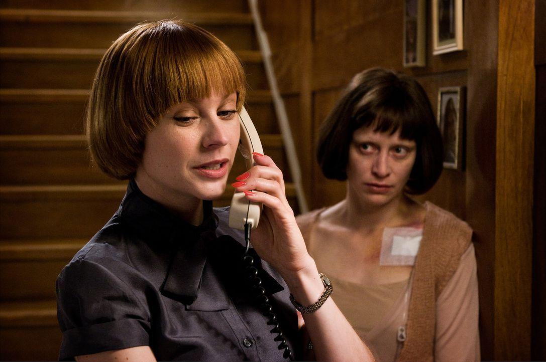 Noch kann Susa (Christiane Paul, l.) nicht hinnehmen, dass Laura (Katharina Marie Schubert, r.) keine neue Therapie beginnen, sondern nur noch still... - Bildquelle: 3L Filmverleih
