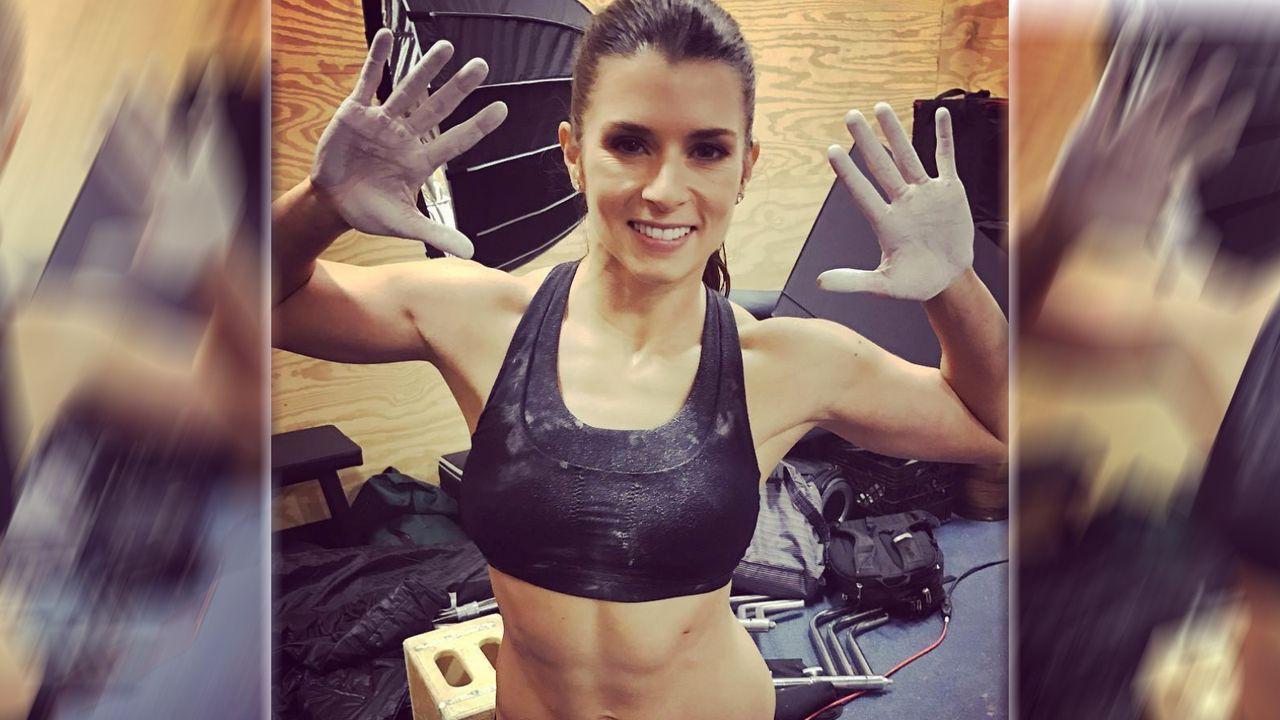 Danica Patrick: Die schnellste Frau der Welt hört auf - Bildquelle: Instagram/@danicapatrick