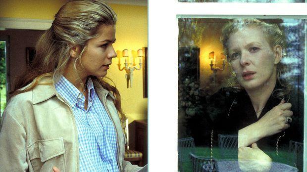 Was verbirgt Connie Decker (Sunnyi Melles, r.) vor Laura Decker (Diana Frank,...