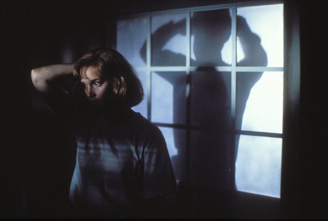 Jessica Kimble (Kari Keegan) ist in tödlicher Gefahr: Ihr Onkel, der Serienkiller Jason, will sie umbringen - denn nur so kann er seinen zerstörten... - Bildquelle: Warner Bros.