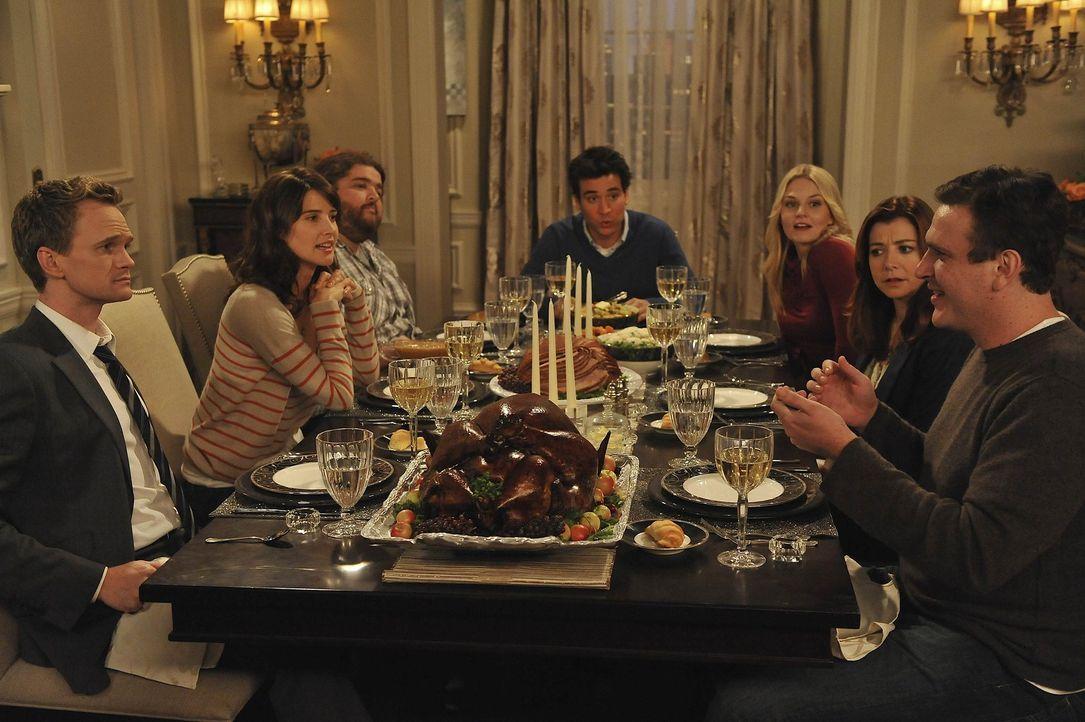 Ein ganz besonders Thanksgiving: (v.l.n.r.) Barney (Neil Patrick Harris), Robin (Cobie Smulders), Blitz (Jorge Garcia), Ted (Josh Radnor), Zoey (Jen... - Bildquelle: 20th Century Fox International Television