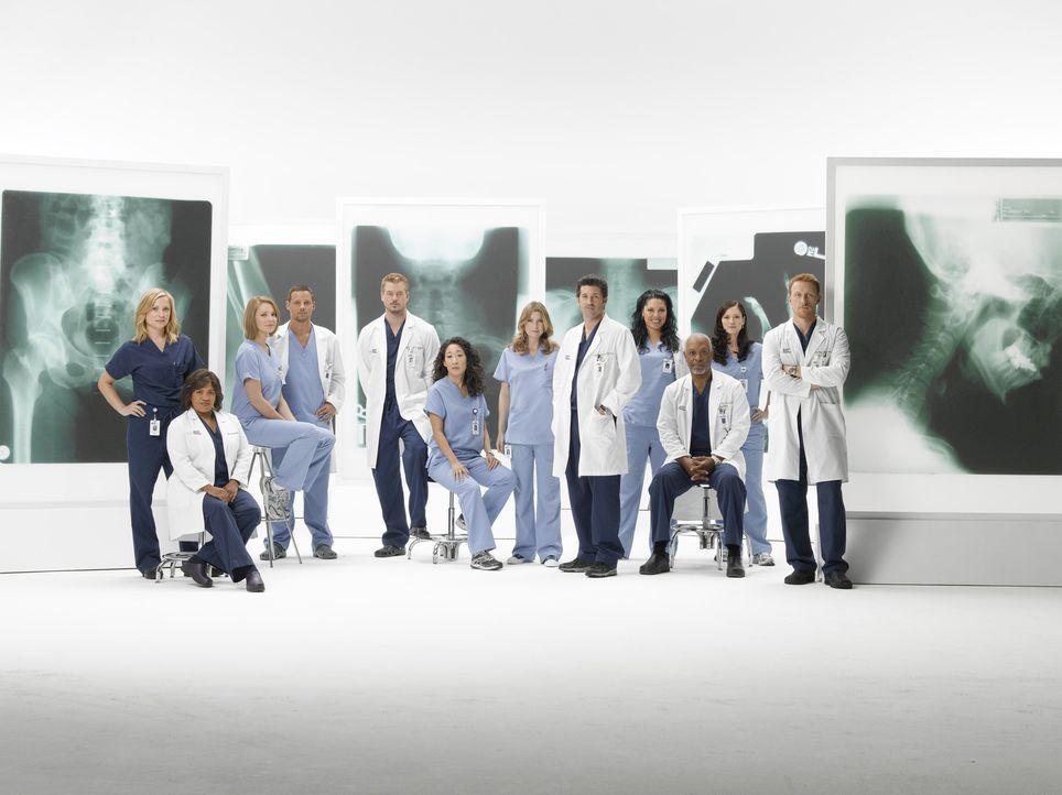 (6. Staffel) - Tränen, Konkurrenzkampf und neue Ärzte im Seattle Grace Hospital: (v.l.n.r.) Dr. Robbins (Jessica Capshaw), Dr. Bailey (Chandra Wilso... - Bildquelle: Touchstone Television