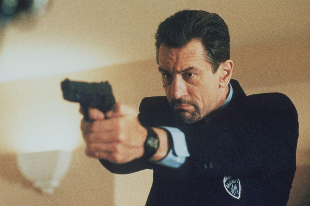 Der Profigangster McCauley (Robert De Niro) narrt die Polizei von Los Angeles immer wieder mit perfekt geplanten Überfällen. Nach wenigen Minuten... - Bildquelle: Warner Bros.