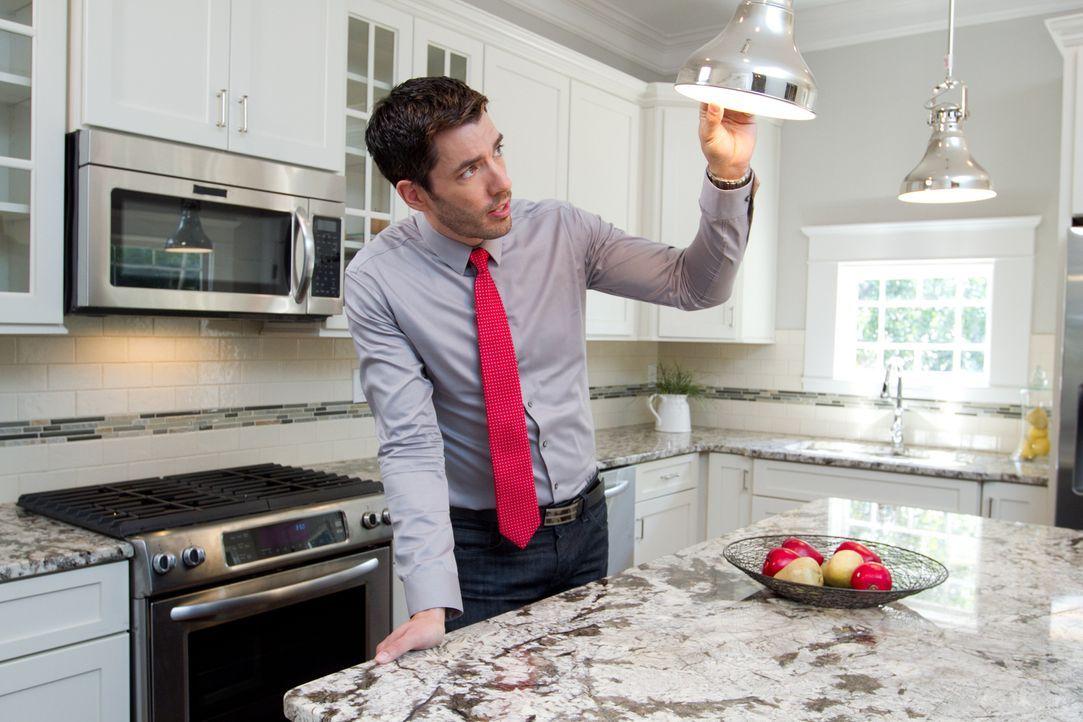 Nachdem Drew seinen Kunden bewusstgemacht hat, dass sie sich mit ihrem Budget und den vielen Wünschen kein einzugsfertiges Haus leisten könne, muss... - Bildquelle: Jessica McGowan 2013, HGTV/Scripps Networks, LLC. All Rights Reserved