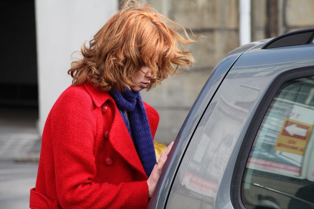 Für Chloé (Odile Vuillemin) ist es nicht einfach, wieder in Paris und im Revier zu sein ... - Bildquelle: Stanislas Marsil 2011 BEAUBOURG AUDIOVISUEL