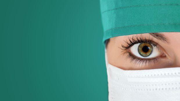 Hilfe für Opfer von Schönheitsoperationen Fotolia_95792887 koszivu