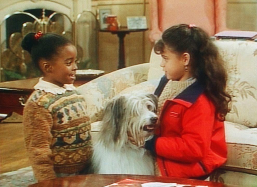Die Eigentümerin des Hundes ist gekommen, um ihn abzuolen. Aber Rudy (Keshia Knight Pulliam, l.) darf ihn bald mal besuchen. - Bildquelle: 20th Century Fox Television