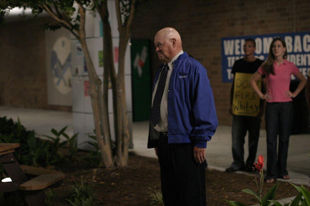 """Coach Whitey (Barry Corbin) muss erfahren, dass er womöglich nicht mehr lange Trainer der """"Ravens"""" sein wird ... - Bildquelle: Warner Bros. Pictures"""