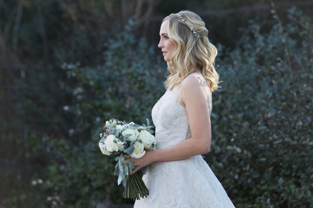 In kürzester Zeit muss Caroline (Candice King) ihre Traumhochzeit planen, um damit Katherine aus ihrem Versteck zu locken, doch die Wut ihrer besten... - Bildquelle: Warner Bros. Entertainment, Inc.