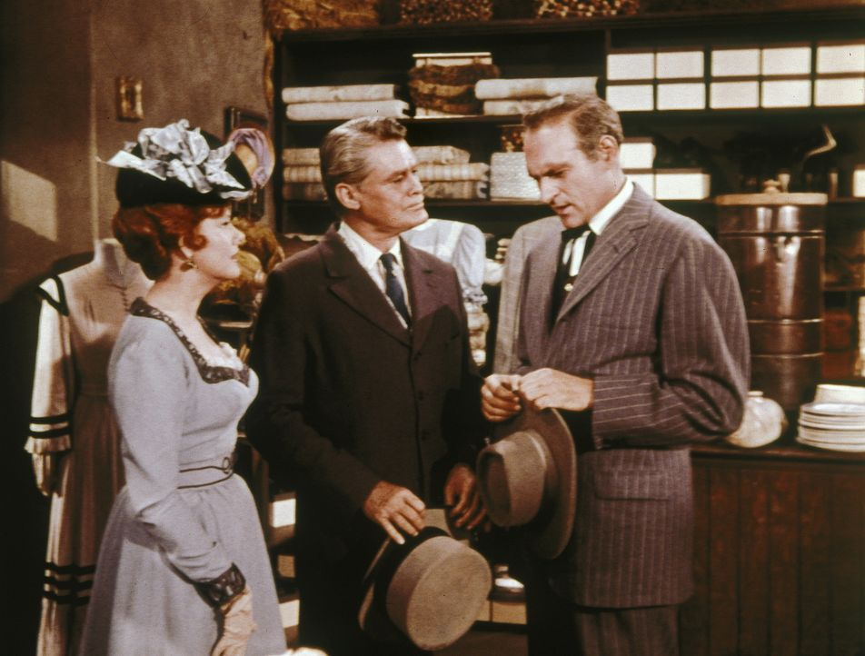 In Virginia City trifft Ben überraschend einen alten Kriegskameraden: Vor zwanzig Jahren hatten er und Colonel Medford (John Larkin, r.) einen milit... - Bildquelle: Paramount Pictures