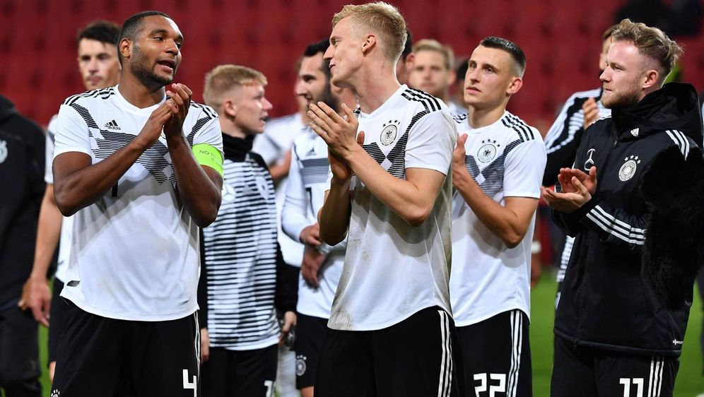 Die U21 siegt mit 2:1 und löst das EM-Ticket für 2019 - Bildquelle: Imago