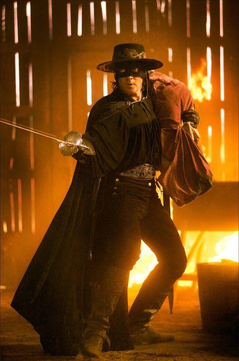 Als erneut der Frieden Kaliforniens bedroht ist, schlüpft Alejandro de la Vega (Antonio Banderas) noch einmal in die legendäre Maske des Zorro und... - Bildquelle: Sony Pictures Television International. All Rights Reserved.