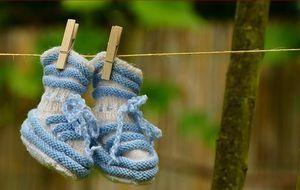 babyschuhe-wäscheleine