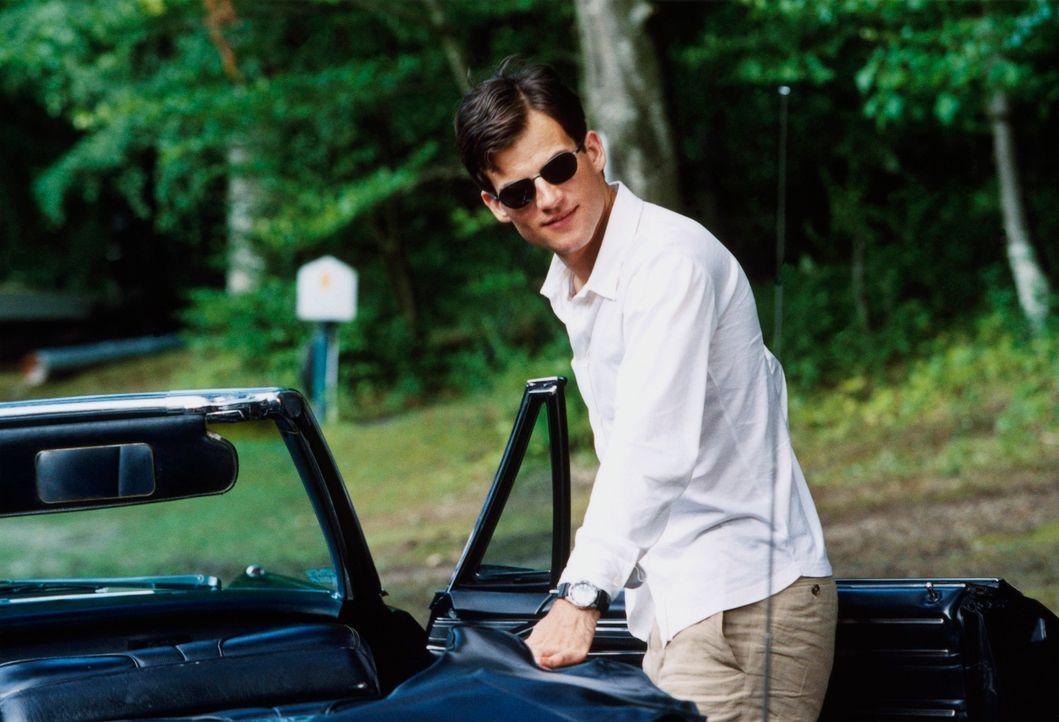 Jurastudent Alexander (Torben Liebrecht) arbeitet zielstrebig auf ein Ziel hin: der Ermordung seines Vaters ... - Bildquelle: Erika Hauri ProSieben