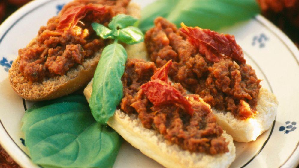 Baguette-Brötchen mit Pesto - Bildquelle: Photocuisine