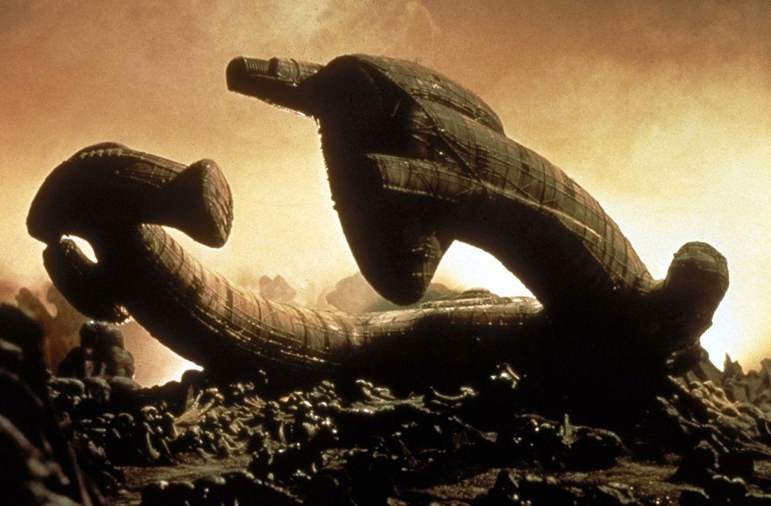 """Die Besatzung der """"Nostromo"""" entdeckt auf einem unwirtlichen Planeten das Wrack eines gigantischen außerirdischen Raumschiffs ... - Bildquelle: 20th Century Fox of Germany"""
