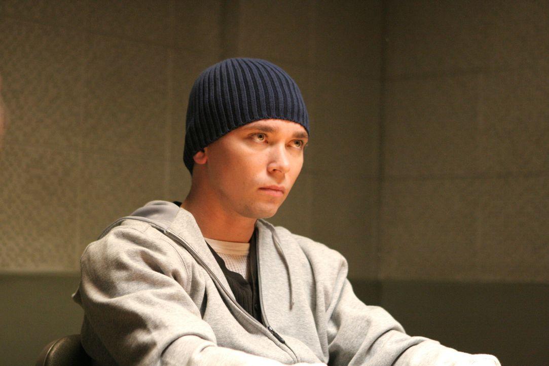 Was weiß Stump (James Jordan) über den aktuellen Fall? - Bildquelle: Warner Bros. Television