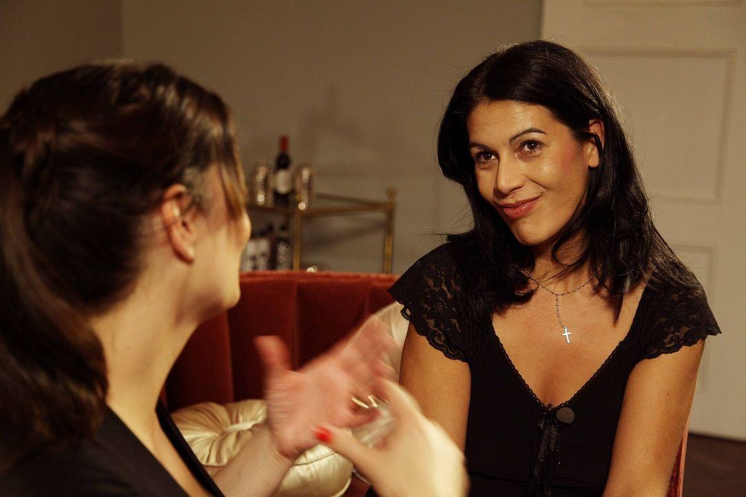 Ist Untreue das neuste Rezept für eine funktionierende Beziehung? Bei der 36-jährigen Michaela (r.) und ihrem Ehemann geht dieses Konzept bestens... - Bildquelle: sixx