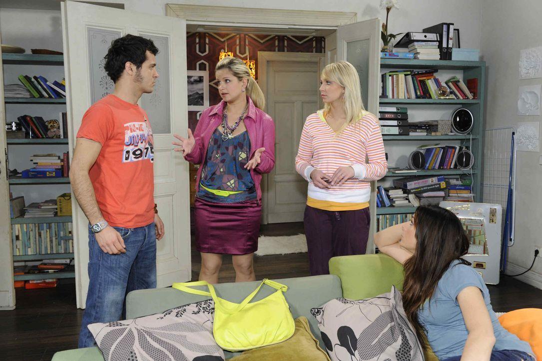 Sie entwickeln einen Plan, wie sie Lily zu Jojo bringen können: (v.l.n.r.) Maik (Sebastian König), Mia (Josephine Schmidt), Lily (Jil Funke) und P... - Bildquelle: SAT. 1