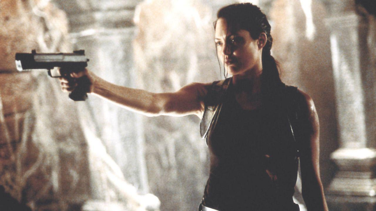 """Angelina Jolie in """"Tomb Raider"""" - Bildquelle: 2001 Paramount Pictures und Concorde Filmverleih (Tomb Raider - Auf DVD erhältlich)"""