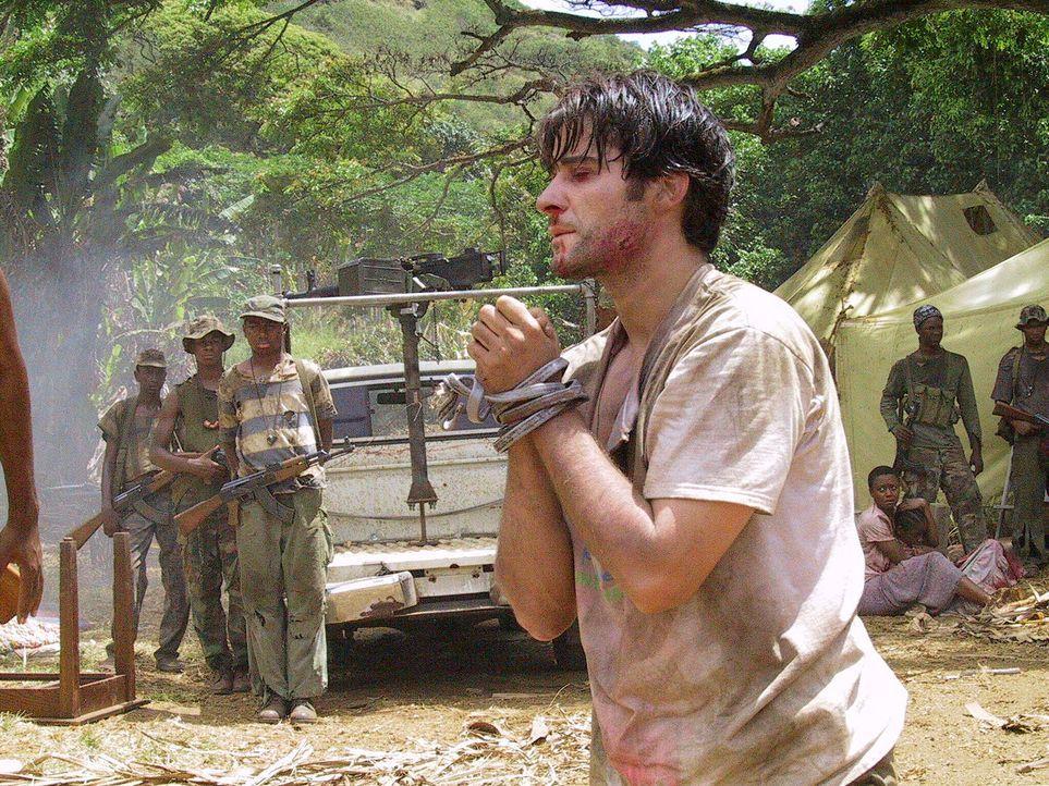 Als Geisel gefangen im Kongo: Luka Kovac (Goran Visnjic, r.) - Bildquelle: National Broadcasting Company (NBC)