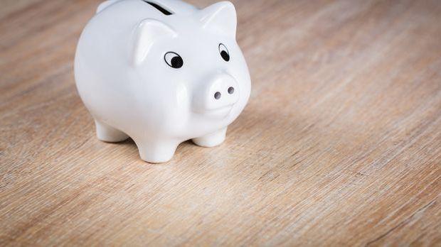 S1 Gold_XXL-Artikel_Wie du ganz einfach Geld sparen kannst_Geld sparen_Bild1_...