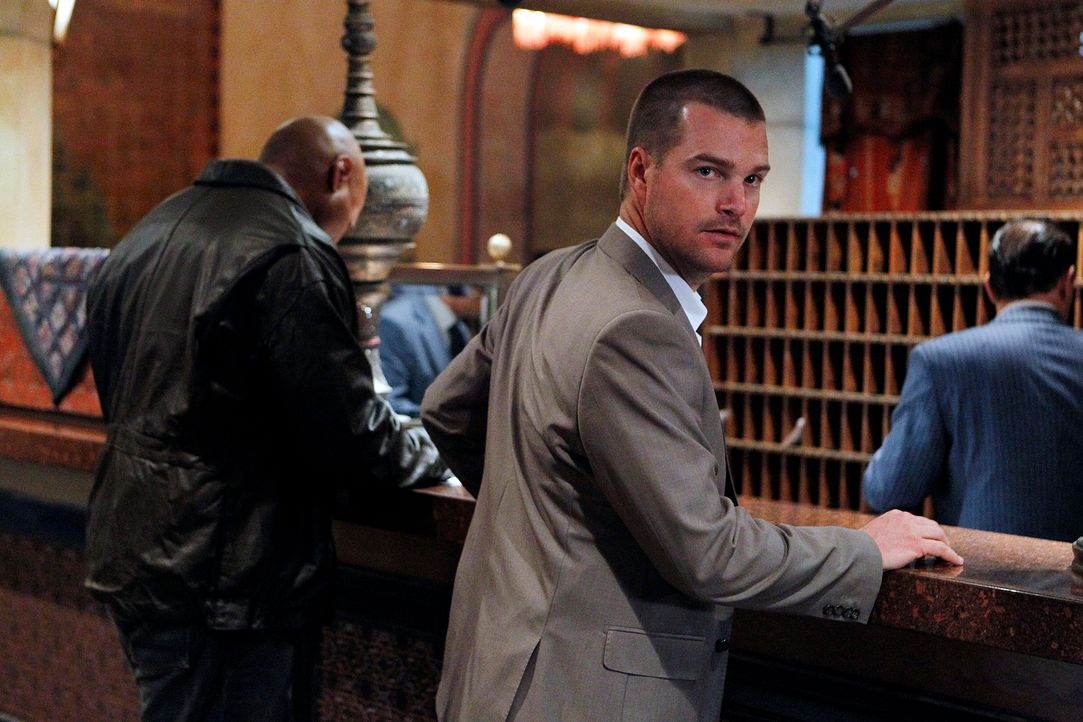 Ermitteln für die nationale Sicherheit undercover: Callen (Chris O'Donnell, r.) und Sam (LL Cool J, l.) ... - Bildquelle: CBS Studios Inc. All Rights Reserved.