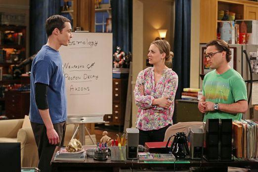 The Big Bang Theory - Um Sheldon (Jim Parsons, l.) auf andere Gedanken zu bri...