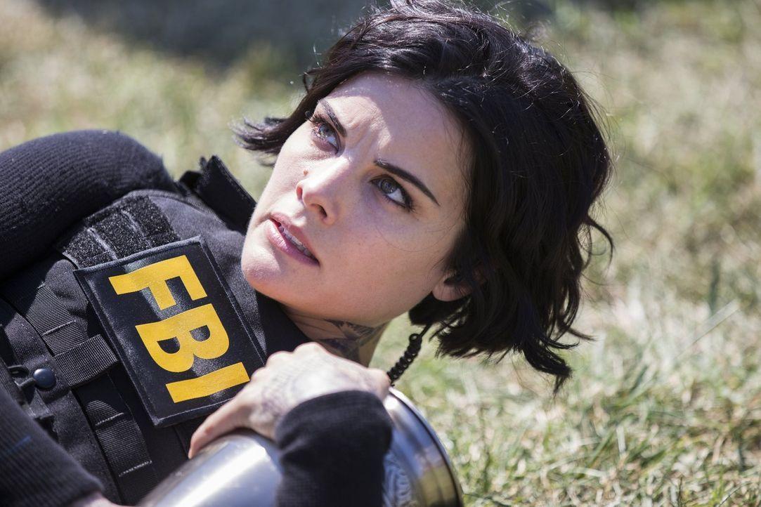 Jagt einen Geiselnehmer: Jane (Jaimie Alexander), die sich an ihre eigene Entführung erinnert ... - Bildquelle: Warner Brothers
