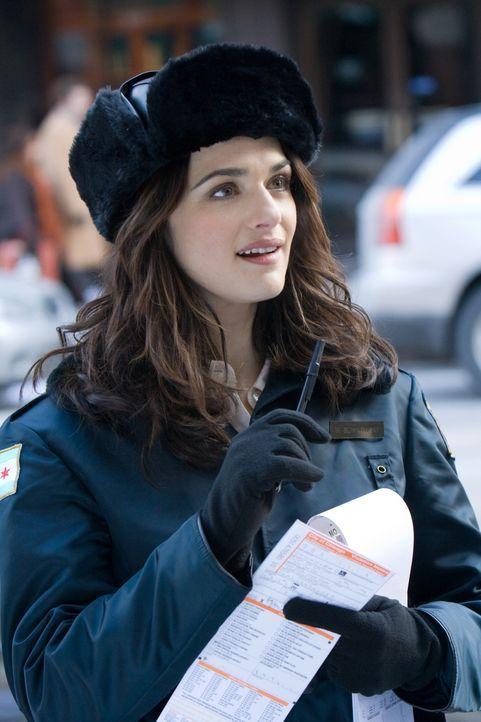 Die Beziehung von Fred und der Politesse Wanda (Rachel Weisz) steht kurz vor dem Aus, da erhält Fred die einmalige Chance, sich zu bewähren ... - Bildquelle: Warner Brothers