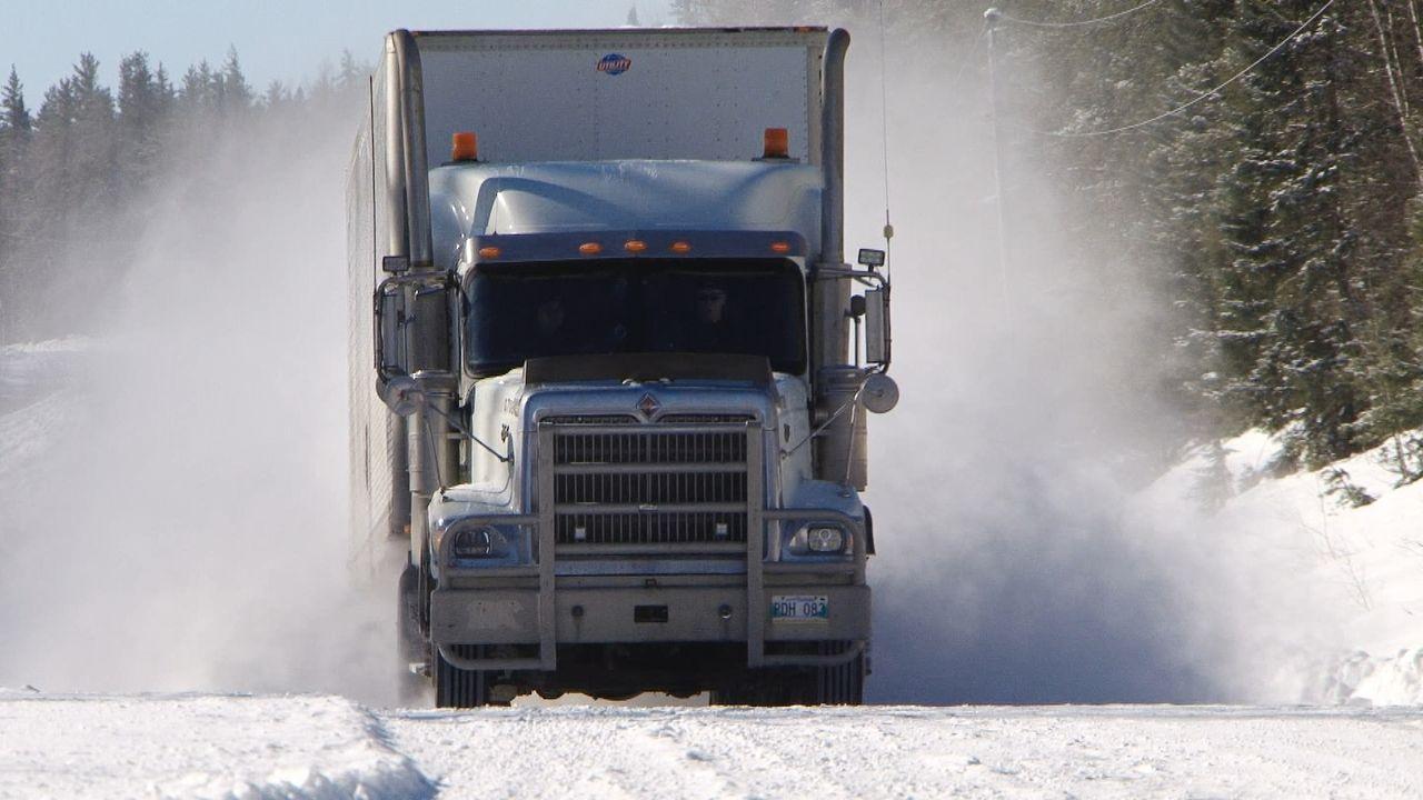 Der Winter neigt sich einmal mehr dem Ende zu. Die Fahrer hoffen auf ein Käl... - Bildquelle: 2017 A+E Networks, LLC