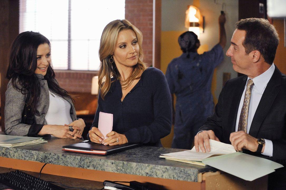 Amelia (Caterina Scorsone, l.) leidet unter sexuellem Entzug. Charlotte (KaDee Strickland, M.) und Violet sind der Meinung, dass Sheldon (Brian Benb... - Bildquelle: ABC Studios