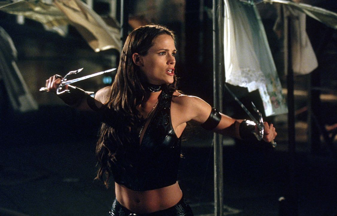 Als Matt dem Schurken Kingpin gefährlich nahe kommt, heuert dieser einen Killer an, was seine Freundin Elektra (Jennifer Garner) in tödliche Gefahr... - Bildquelle: 2003 Twentieth Century Fox Film Corporation.  All rights reserved.