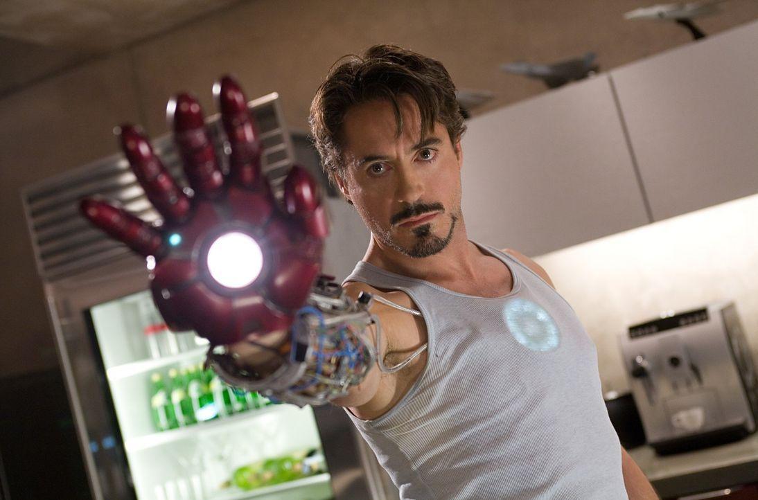 Eine Entführung durch Terroristen bringt Tony Stark (Robert Downey Jr.) dazu, über seine Vergangenheit nachzudenken und als er auch noch eine Versch... - Bildquelle: 2008 MVL Film Rinance LLC. All Rights reserved.
