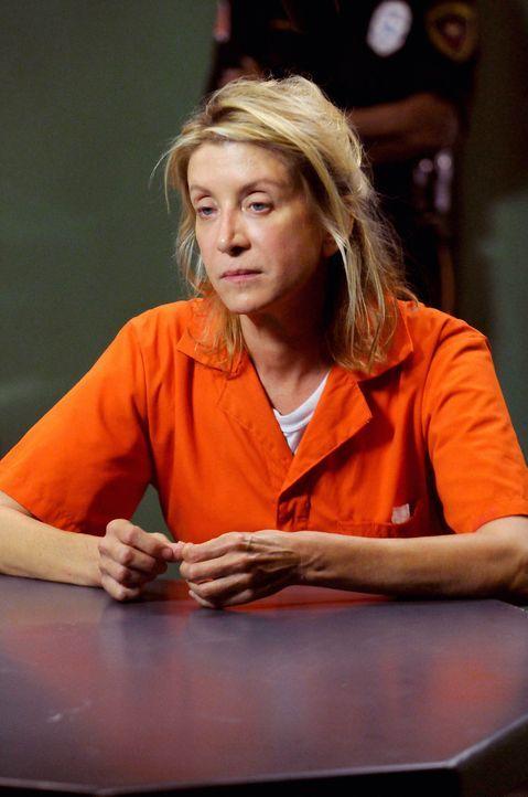 Weiß Chelsey Simpson (Tamara Clatterbuck), die Mutter des ermordeten Nash, mehr als sie zugibt? - Bildquelle: Warner Bros. Television