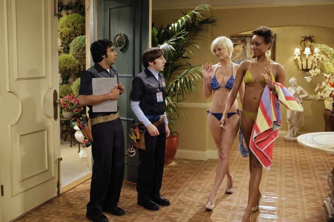 """Mit nicht ganz legalen Mitteln versuchen Rajesh (Kunal Nayyar, l.) und Howard (Simon Helberg, 2.v.l.), an die """"America's Next Top Models"""" heranzukom... - Bildquelle: Warner Bros. Television"""